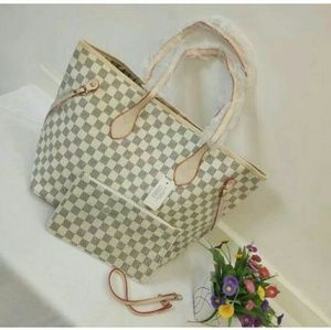 Louis Vuitton Neverfull MM Tote Handbag Purse bag